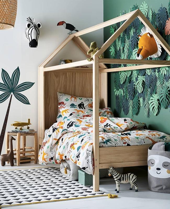 deco chambre bébé animaux jungle trophée peluche