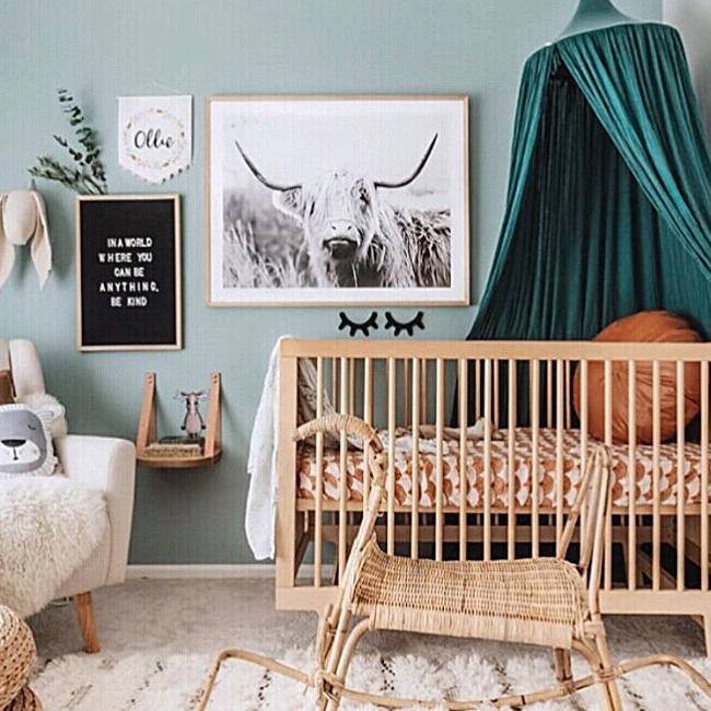 deco chambre bebe bleu canard ciel de lit