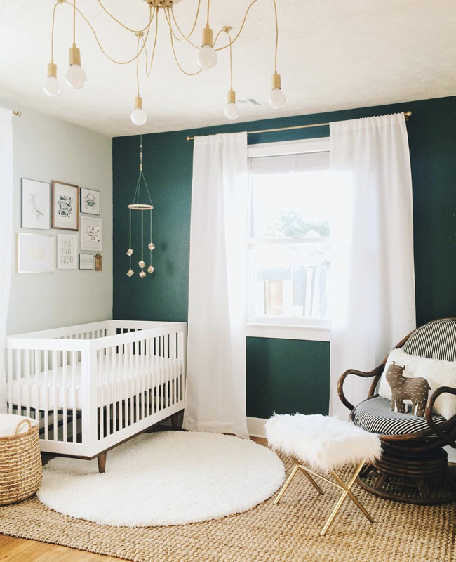 deco chambre bebe bleu canard mur bohème