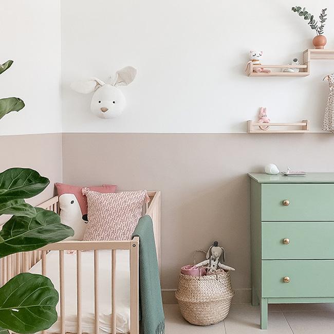 deco chambre bébé fille vert rose moderne pastel