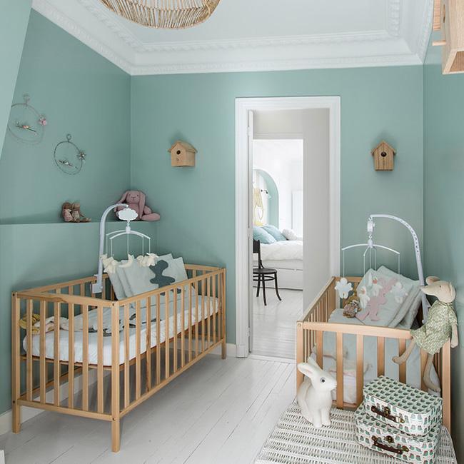 deco chambre bébé mur vert menthe