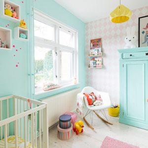 deco chambre bébé vert menthe