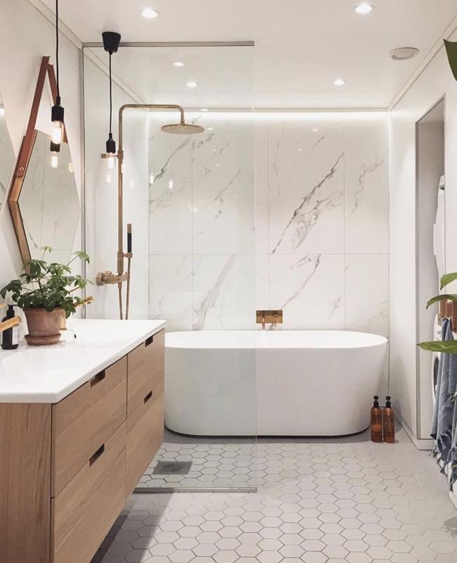 deco salle de bain bois blanc moderne cuivre