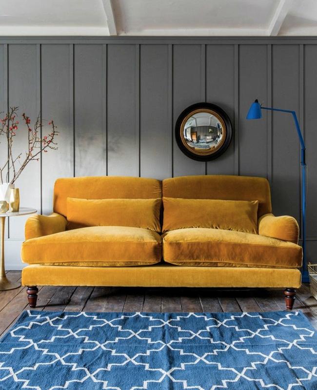 deco salon gris jaune moutarde bleu électrique
