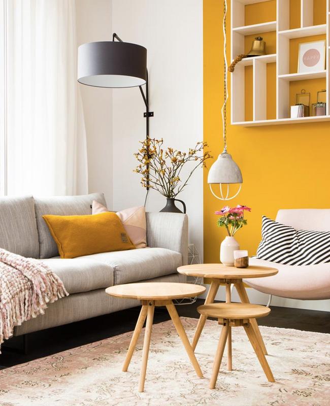 deco salon gris jaune moutarde rose moderne