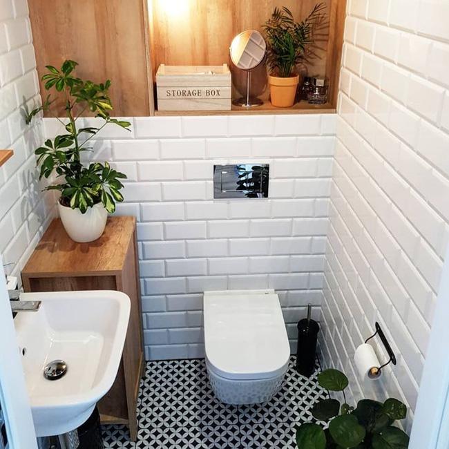 deco toilette wc noir bois carrelage métro