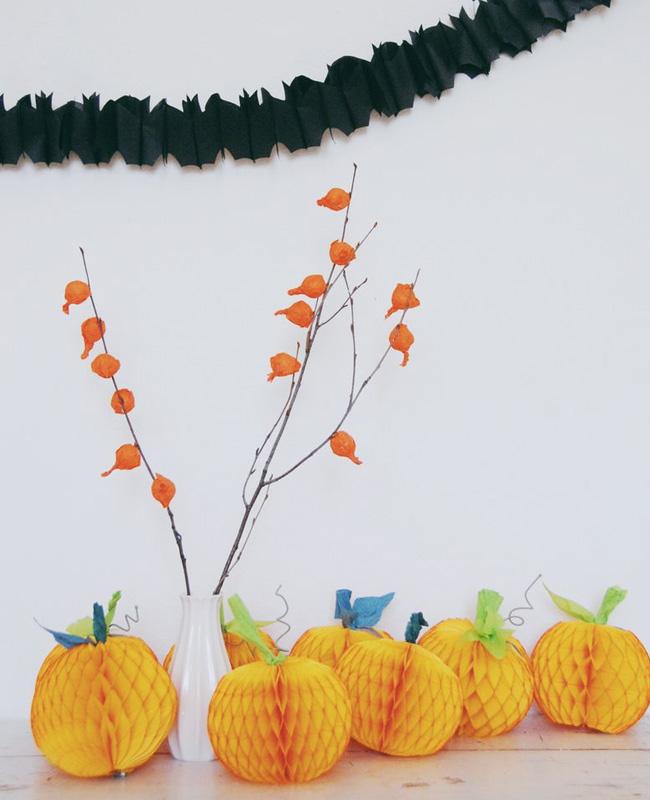 guirlande papier crépon diy halloween chauve souris