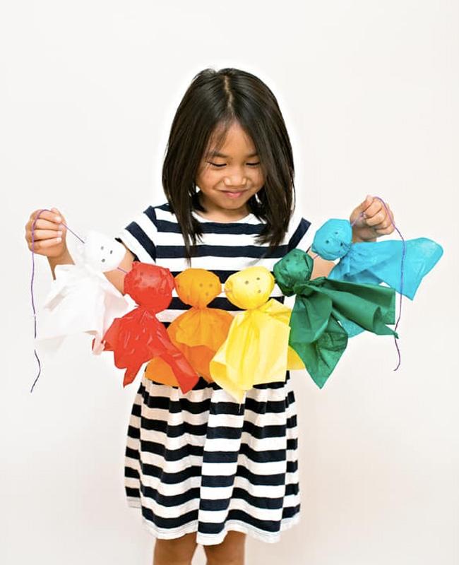 guirlande papier crépon diy halloween fantôme multicolore