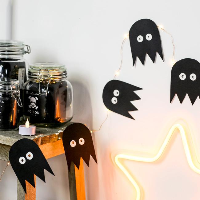 guirlande fantôme papier noir deco halloween