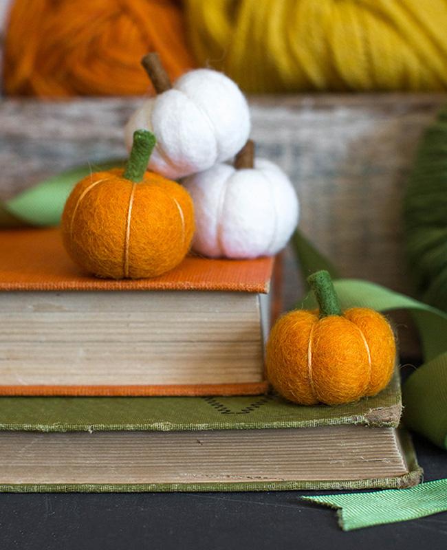 mini citrouille orange blanche feutrine halloween