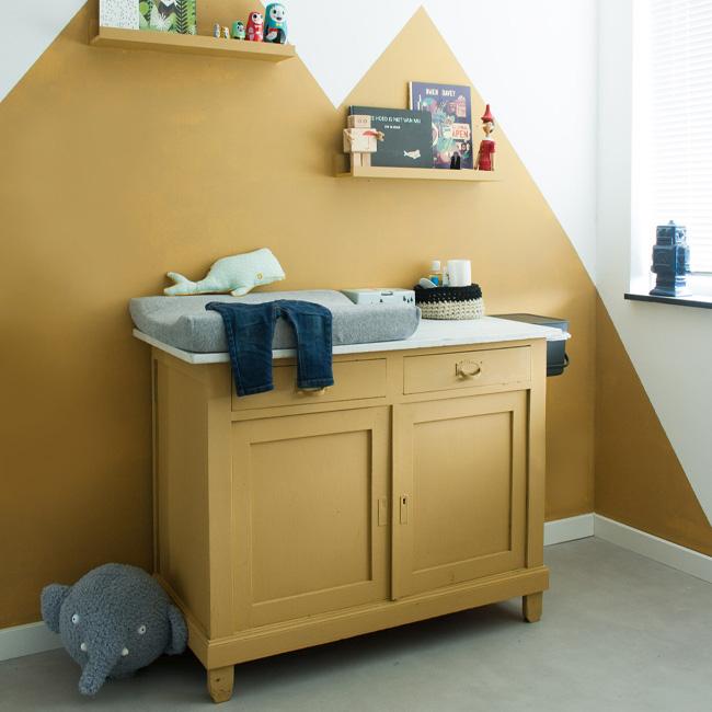 deco chambre bébé jaune moutarde peinture