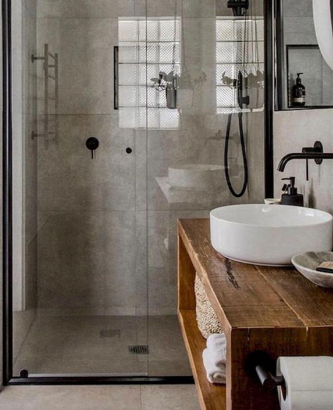 deco salle de bain industrielle béton noir bois