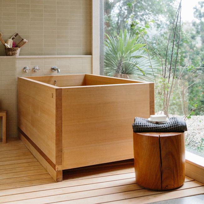 deco salle de bain zen moderne baignoire bois