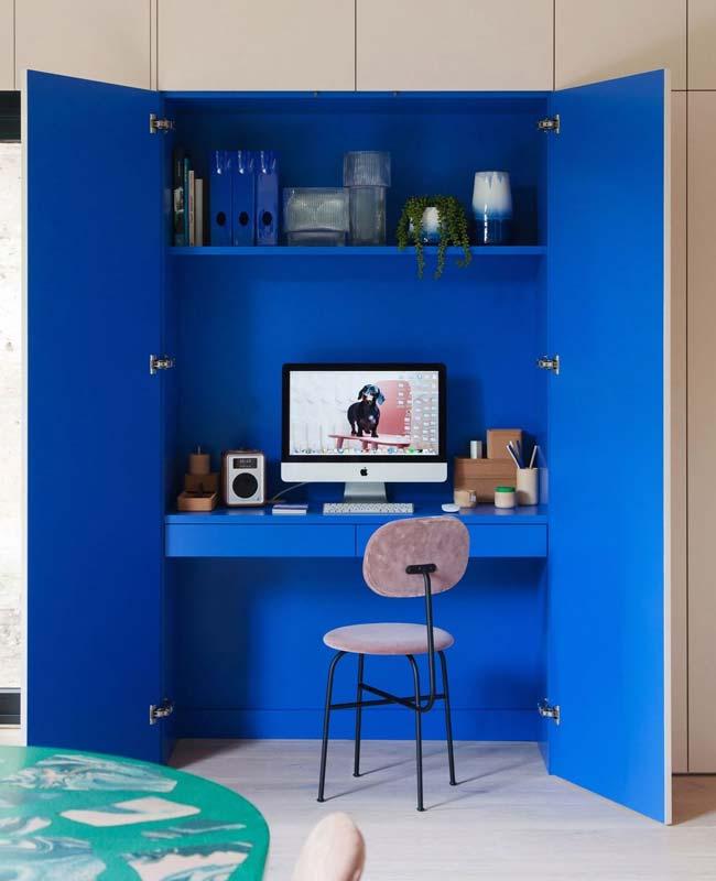 bureau placard design bleu klein