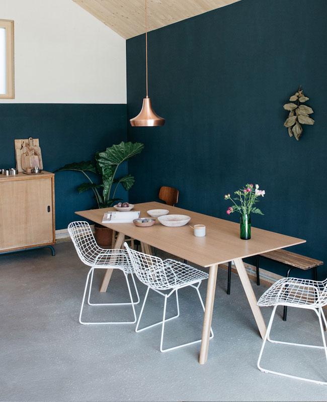 deco salle a manger bleu canard moderne