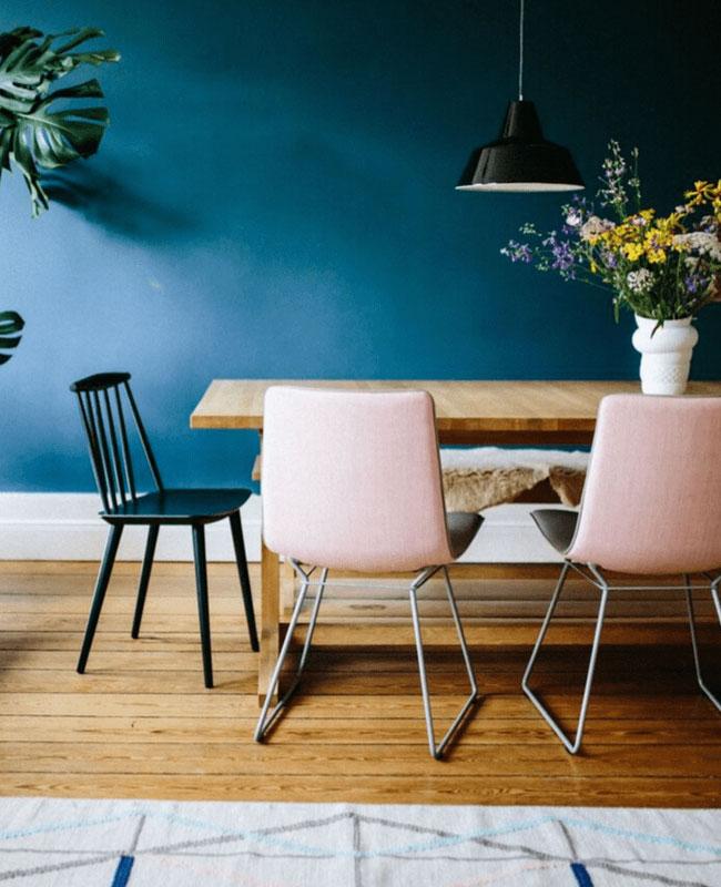 deco salle a manger bleu canard rose