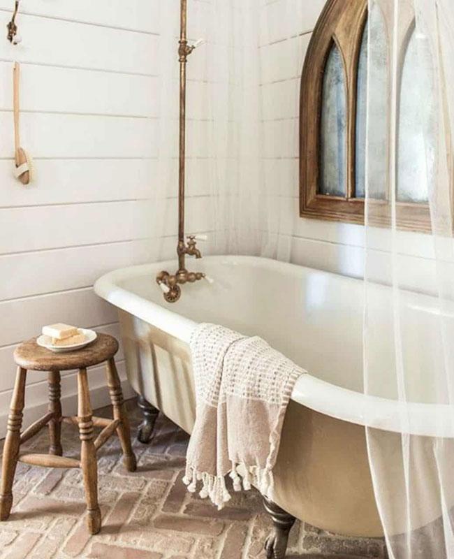 deco beige blanc salle de bain rustique