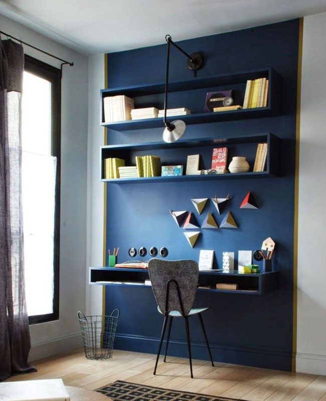 deco bureau bleu mur bleu foncé