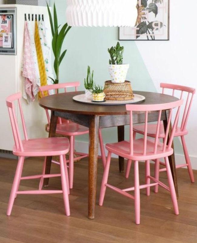 deco salle a manger rose chaise bois