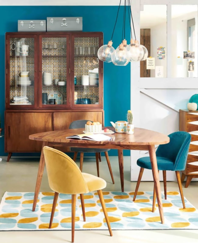 deco scandinave bleu canard salle a manger retro jaune