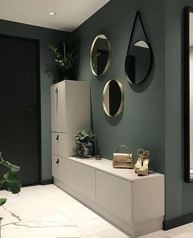 deco couloir moderne mur vert meuble