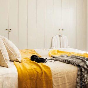 deco chambre jaune moutarde et gris