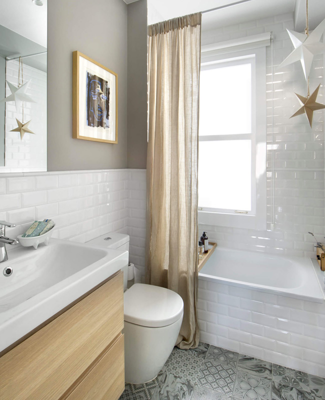 deco salle de bain gris mur