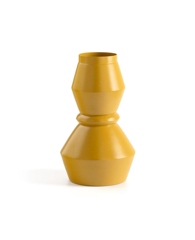 vase metal jaune scandinave