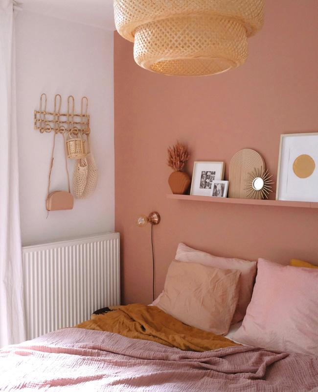 deco chambre rose peinture mur rotin