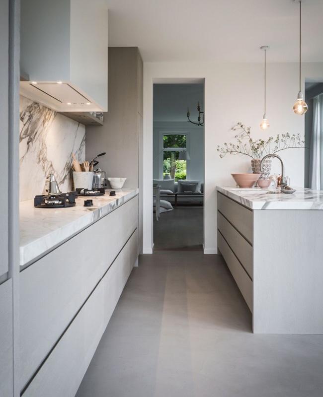 deco moderne gris cuisine marbre blanc