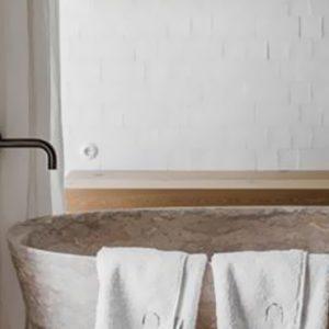 deco salle de bain beige noir