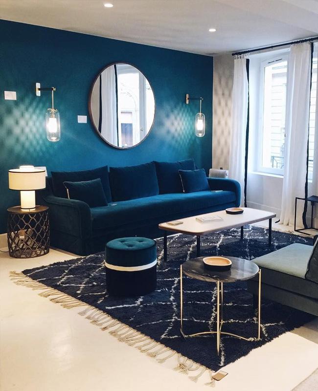 deco salon bleu canard mur canape
