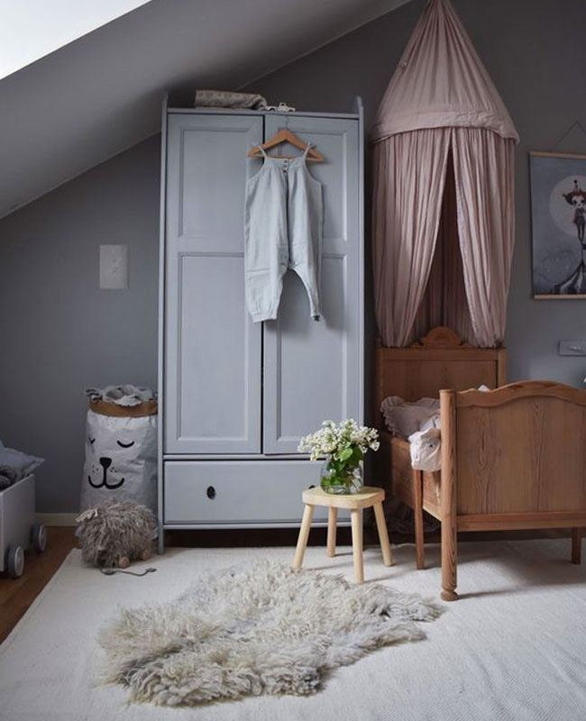 deco chambre bebe campagne rose gris bois