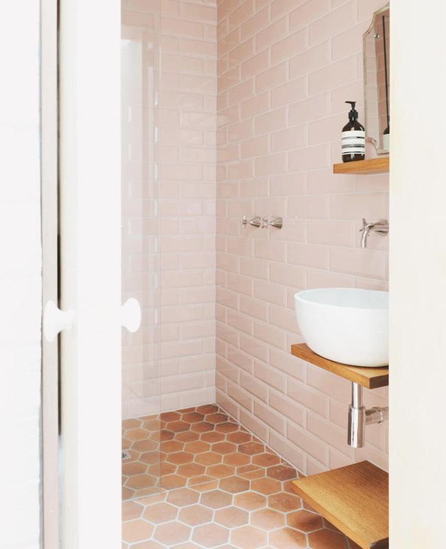 deco salle de bain sol terracotta