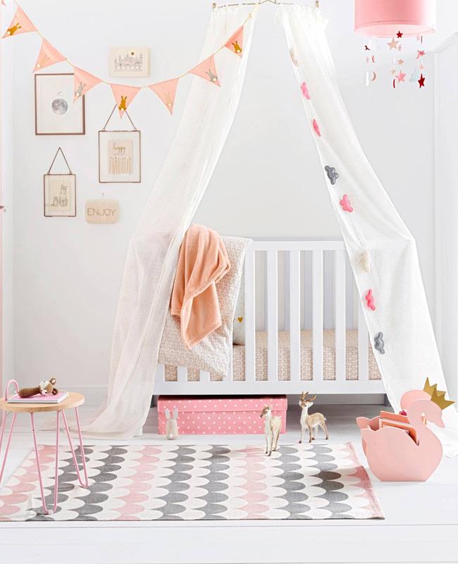 deco chambre bebe rose gris tapis écaillé
