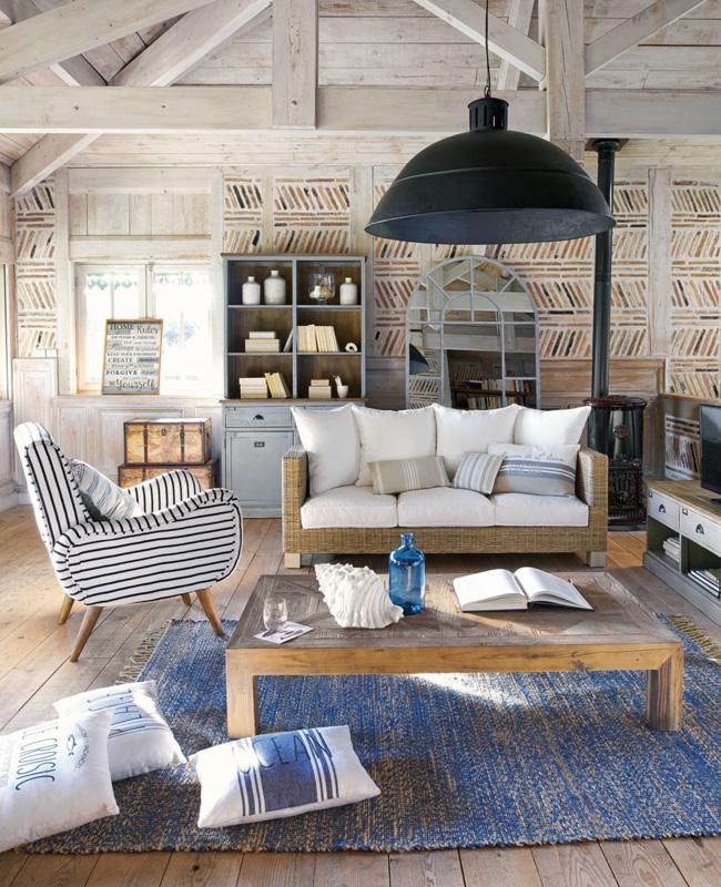 Deco Salon bord de mer industrielle noir bois