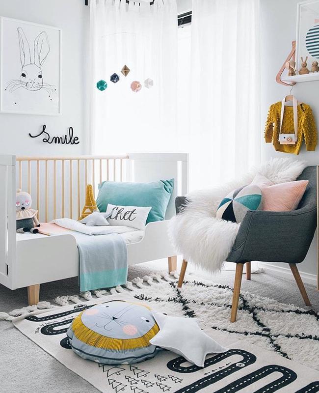 deco chambre bebe moderne blanc rose couleur
