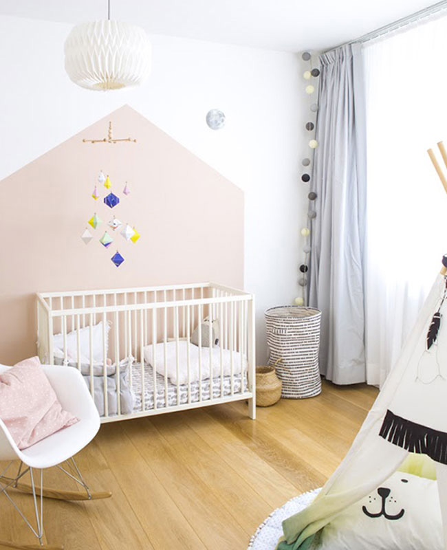 deco chambre bebe blanc rose poudre