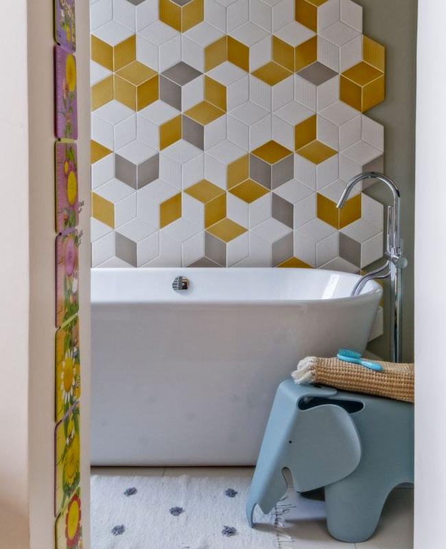 deco scandinave gris jaune salle de bain