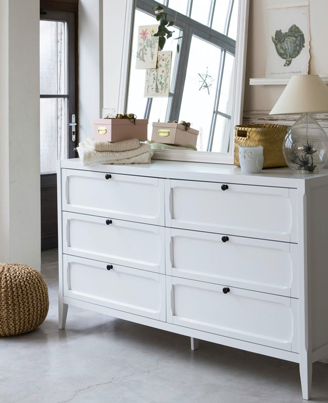 commode blanche parisienne