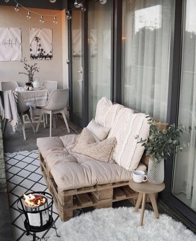 deco balcon bois canape palette