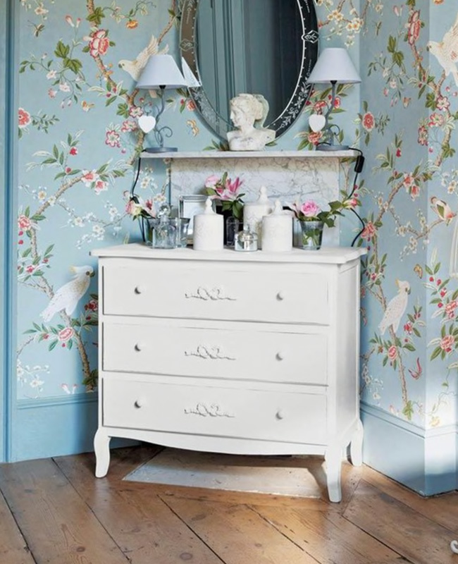 commode blanche campagne