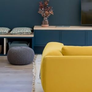 deco salon bleu canard jaune moutarde