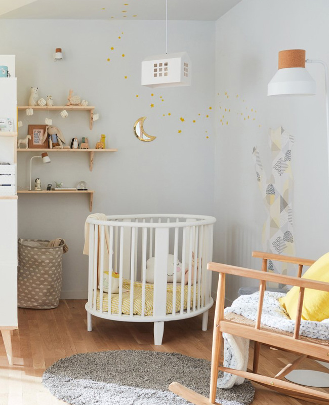deco chambre bebe scandinave jaune gris