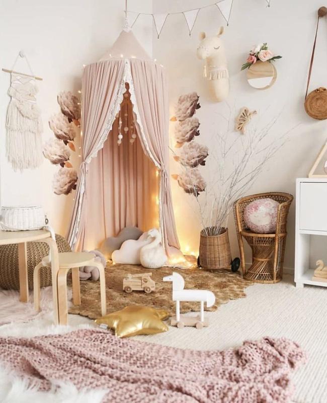 deco chambre bebe blanc rose ciel de lit