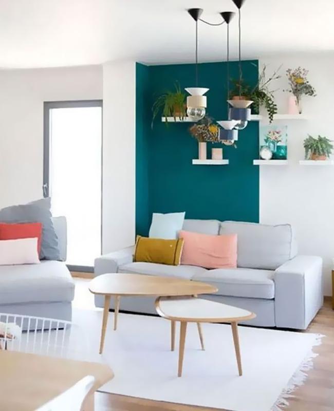 deco salon scandinave mur bleu canard