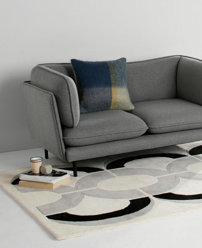 petit canape gris noir moderne