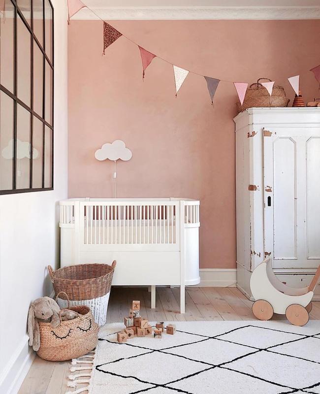 deco chambre bebe blanc rose vintage