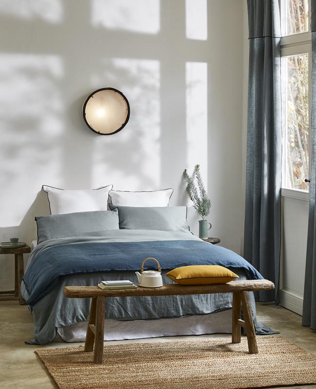 deco chambre moderne linge de lit bleu