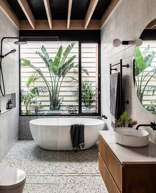 deco salle de bain moderne tropical noir